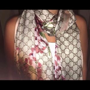 Gucci Bloom Floral Scarf